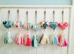 Crochet Keychain Key Fobs New Ideas Pom Pom Crafts, Yarn Crafts, Felt Crafts, Fabric Crafts, Diy And Crafts, Arts And Crafts, Deco Dyi, Crochet Keychain, Deco Boheme