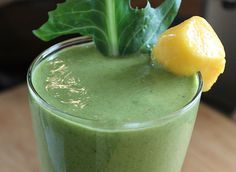 Blueberry Dandelion Green Smoothie for Your Liver | 1mhealthtips