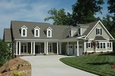Cottage Style 1 story 3 bedrooms(s) House Plan with 2648 total square feet and 2 Full Bathroom(s) from Dream Home Source House Plans Lowcountry House Plans, Southern House Plans, Country Style House Plans, Cottage Style, Farmhouse Floor Plans, Craftsman Floor Plans, Colonial House Plans, Cottage Floor Plans, Modern Colonial