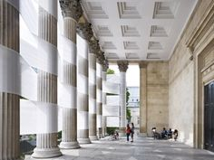 Swiss architect Nicolas Feldmeyer has dressed up the University College, London by weaving fabric through its historic columns to create an impressive, but sadly only a temporary art installation. Yet what a great decorating idea for an elegant wedding with a ribbon theme when held at a colonnaded estate.