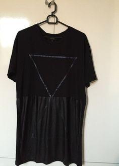 Kup mój przedmiot na #vintedpl http://www.vinted.pl/odziez-meska/koszulki-z-krotkim-rekawem-t-shirty/12560943-czarna-koszulka-river-island