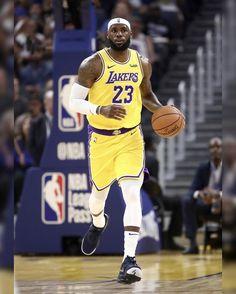 Headband Lebron is back Basketball Jones, Sports Basketball, Basketball Players, Nba, Lebron James Lakers, King Lebron, Magic Johnson, King James, Los Angeles Lakers
