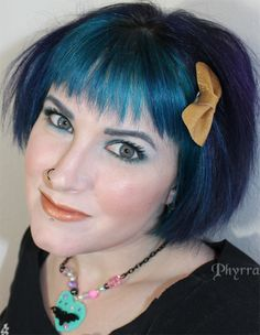 Winter Blues Tutorial. Gotta love my manic panic hair - Voodoo blue, Black & blue, Purple haze    #manicpanic