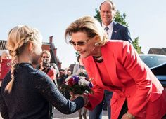 Queen Sonja opens Tommerup Ceramic Workshop's art exhibition