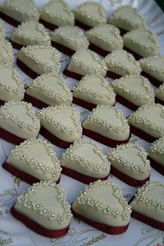 Zory's Cookies And Mini Cakes: Wedding Cupcakes Wedding Cakes With Cupcakes, Wedding Cookies, Wedding Desserts, Sugar Cookie Icing, Cake Icing, Sugar Cookies, Fancy Cakes, Mini Cakes, Heart Cakes