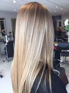 long straight hair with layers; coolest hairs color trends in trendy hairstyles and colors Straight Hairstyles, Cool Hairstyles, Black Hairstyles, Summer Hairstyles, Blonde Hair Looks, Blonde Straight Hair, Thick Hair, Blonde Hair For Fall, Neutral Blonde Hair