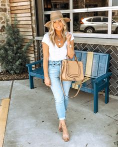 New brunch outfit winter casual jeans bags Ideas Casual Brunch Outfit, Casual Winter Outfits, Chic Outfits, Spring Outfits, Trendy Outfits, Fashion Outfits, Outfit Winter, Summer Brunch Outfit, Fashion Ideas