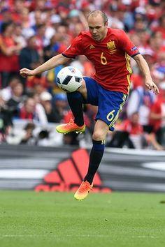 bcba2502bc8 Iniesta (Spain) Fifa Football, International Football, Czech Republic,  Euro, Barcelona