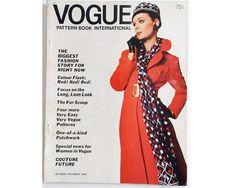 Vintage 60's Vogue Pattern Book International Autumn Young Fashion, Big Fashion, Skirt Fashion, Fashion News, Skirt Patterns Sewing, Vogue Patterns, Bow Blouse, Fashion Story, Pattern Books