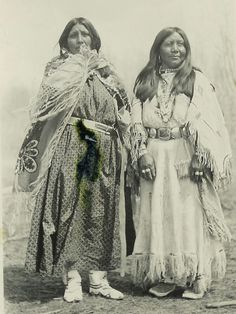 Ute women Whiterocks Canyon area reservation in the early Marimon's granddaughter, Nancy Martin, lived there from and donated these photos to The Tribune. (Courtesy of Nancy Martin) Native American Photos, Native American Tribes, Native American History, American Indians, American Life, Cherokee, Looks Black, Native Indian, First Nations