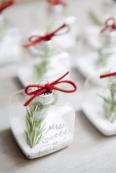 Winter Entertaining: 10 DIY Place Setting Ideas   Apartment Therapy