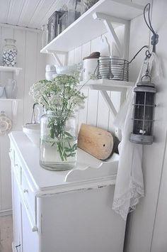 キッチンNo.38 アンティークな家具と部屋のインテリアコーディネイト実例