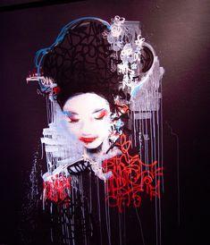 Alliant à merveille les techniques du graffiti, du dessin et de la peinture, Hush est un artiste au talent incontestable. Inspiré par les mangas et l'iconographie japonaise – notamment la fig…