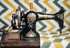 Vintage sewing machine photo by Clem Onojeghuo ( on Unsplash White Embroidery, Vintage Embroidery, Embroidery Thread, Buy Fabric, Fabric Scraps, Scrap Fabric, Les Artisans, Sewing Machine Parts, Antique Sewing Machines