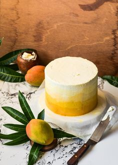 The moonblush Baker: Pulling your own weight /-/ Ombre mango madness cake