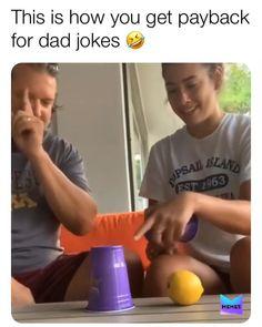 Funny Prank Videos, Funny Short Videos, Funny Pranks, Evil Pranks, Kids Pranks, Pranks Ideas, Crazy Funny Memes, Funny Relatable Memes, Haha Funny