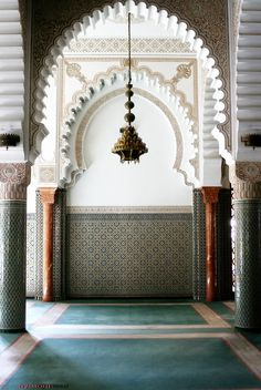 Mosque Lalla Soukaïna Rabat Morocco *Peace between millions of Muslims, Christians, Buddhists - we are being manipulated against one another -stop wars by The United States of Israel * Moroccan Design, Moroccan Decor, Moroccan Style, Moroccan Lounge, Design Marocain, Style Marocain, Islamic Architecture, Art And Architecture, Architecture Details