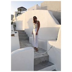 That golden hour ✨ Off to dinner with the girls @lumix_au #LX100 #anorgnaisedlife #santorini
