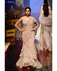 Ridhi Mehra at Lakmé Fashion Week winter/festive 2019 Indian Dresses, Indian Outfits, Latest Saree Trends, Bridal Wardrobe, Organza Saree, Drape Sarees, Wedding Saree Blouse, Simple Sarees, Saree Look