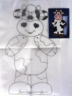 Risultato immagini per pintura country moldes vacas Wooden Crafts, Felt Crafts, Diy Crafts, Fabric Painting, Painting On Wood, Butterfly Footprints, Punch Needle Patterns, Cow Pattern, Pintura Country