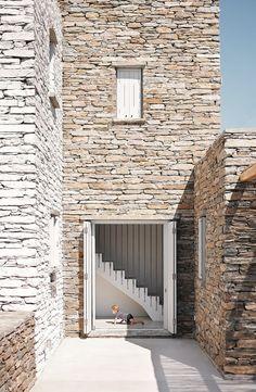 Rocksplit, Kea Island, Greece – Cometa Architects – casalibrary