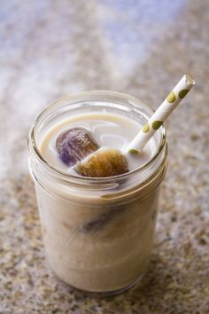 Clean Eating Iced Coffee Mocha | homemadeforelle.com