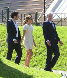 """ADDED 18 new pictures of Emma Watson and Daniel Bruhl filming """"Colonia"""" in Buenos Aires on 12.12.14."""