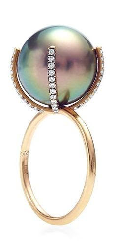 Susan Foster ● Pearl Ring - oh God. Pearl Jewelry, Diamond Jewelry, Jewelry Box, Jewelry Rings, Jewelry Accessories, Fine Jewelry, Jewelry Design, Pearl Rings, Pearl Bracelets