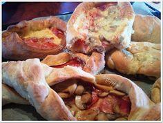 Η απόλαυση της βρώσης Hot Dog Buns, Hot Dogs, Greek Recipes, Party Snacks, Cheesesteak, Food And Drink, Pizza, Cooking Recipes, Bread