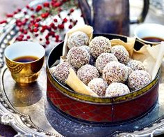 This classic rum balls recipe from The Australian Women's Weekly is great for a quick and easy Christmas treat or homemade edible gifts for friends. by francesmount Read Christmas Nibbles, Easy Christmas Treats, Aussie Christmas, Christmas Food Gifts, Xmas Food, Christmas Cooking, Christmas Desserts, Christmas Time, Australian Christmas Food