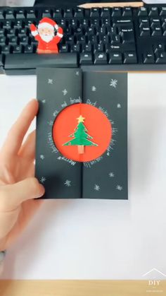 Christmas Card Crafts, Christmas Art, Christmas Projects, Holiday Crafts, Paper Art, Paper Crafts, Diy Paper, Diy Crafts For Gifts, Diy For Kids
