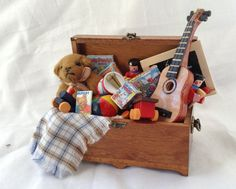 DOLLS House Miniatures - Toy box