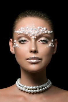 fancy pearl make-up for a mermaid. #pearl  #makeup  #eyeshadow #latest #newest #popular #trendy