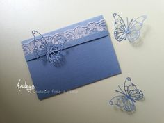 Collezione Azuleya 2015 Partecipazione pochette piatta creata in preziosa carta giapponese con pizzi e farfalle