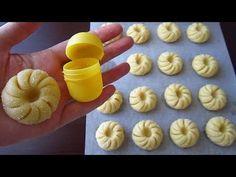 Maslové sušienky s lahodnou vláčnou chuťou pripravené za 20 minút Biscotti Cookies, Yummy Cookies, Cupcake Cookies, Sugar Cookies, Cookie Desserts, Cookie Recipes, Dessert Recipes, Arabic Sweets, Arabic Food