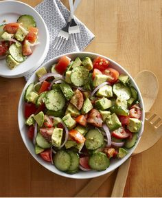 Cucumber Tomato and Avocado Salad - Walmart Recipes - Ideas of Walmart Recipes - Creamy avocados crisp cucumbers and rich Roma tomatoes make this fresh summer salad delicious. Paleo Recipes, Great Recipes, Dinner Recipes, Cooking Recipes, Favorite Recipes, Avocado Salat, Cucumber Salad, Fruit Salad, Healthy Snacks
