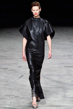 Rick Owens Spring 2012 Ready-to-Wear Collection Photos - Vogue