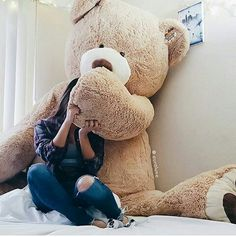 Find images and videos about bear and teddy bear on We Heart It - the app to get lost in what you love. Giant Teddy Bear, Cute Teddy Bears, Big Bear, Costco Bear, Teady Bear, Giant Stuffed Animals, Teddy Bear Pictures, Teddy Girl, Bear Girl