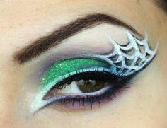 8maquillaje-halloween-mujer-ojos-de-bruja-párpados-en-verde-claro-telaraña-en-blanco-negro Manualidades Halloween, Samhain, Septum Ring, Ideas Originales, Make Up, Diy, Jewelry, Liquid Liner, Carnival