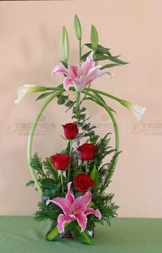 Discover thousands of images about Ikebana Arrangements Ikebana, Church Flower Arrangements, Church Flowers, Beautiful Flower Arrangements, Funeral Flowers, Beautiful Flowers, Tropical Flowers, Spring Flowers, Flowers Garden