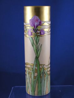 """vase - porcelaine de bohême - peint main & dorure - Iris - Oscar & Edgar Gutherz (O&EG) Austria - Signed """"Mrs. C.C. Hayes""""/Dated 1912 - The design for this vase is by Adelaide Alsop-Robineau and may be found in the September 1901 issue of """"Keramic Studios"""" Magazine -h = 24,7 cm"""