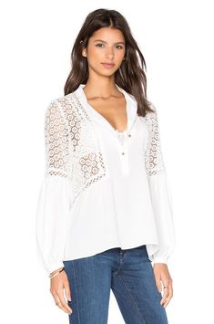 Twelfth Street By Cynthia Vincent Mixed Fabric Peasant Top em Casca de Ovo White Peasant Blouse, Peasant Tops, Modelos Plus Size, Cotton Blouses, Revolve Clothing, Blouse Designs, Trending Outfits, Womens Fashion, Eggshell