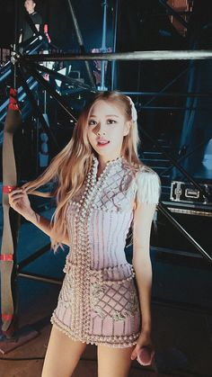 Divas, Kpop Girl Groups, Kpop Girls, Foto Rose, Debut Photoshoot, K Pop, Rose Bonbon, Rose Park, 1 Rose