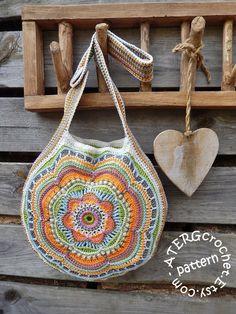 Crochet pattern Boho Flower Slouch Bag by ATERGcrochet Sac Boho Slouch Flower au motif de crochet par ATERGcrochet Crochet Handbags, Crochet Purses, Crochet Bags, Crochet Hook Sizes, Crochet Hooks, Sac Granny Square, Knitting Patterns, Crochet Patterns, Crochet Bag Free Pattern