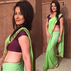 Falguni Rajani hot latest transparent saree sleeveless blouse navel show Indian Tv Actress, Tamil Actress, Chitrangada Singh, Veena Malik, Transparent Dress, Saree Models, Black Saree, Indian Models, Saree Collection