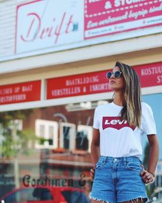 Levis, Casual Outfits, Street Style, Shorts, T Shirt, Clothes, Street Fashion, Eyewear, Fashion Beauty