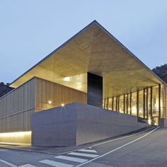 Winery Nals Margreid: Location: 39010 Nals Province of Bolzano-Bozen, ItalyYear of Construction: 2011Architects: Markus Scherer This multi leveled winery sits in the hillside comprised of porphyry walls which blend with it's context.