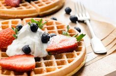 American-Style Waffle with a Choice of Topping and Latte for Two or Four at Cafe 21 Belgian Waffle Mix, Belgian Waffles, Easy Waffle Recipe, Waffle Recipes, Basic Recipe, Pancakes For Dinner, Pancakes And Waffles, Avena Recipe, Canela