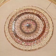 Mandala bordado con lentejuelas y mostacillas Embroidery Sequins and beads
