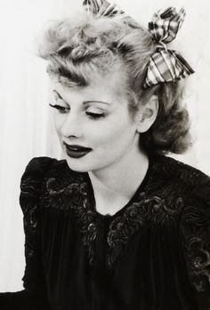 vintagegal:  Lucille Ball photographed by Fred Hendrickson, 1942